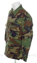 US Air Force Woodland uniform - met insignes - maat medium/short - origineel