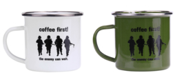 Emaille Mok Emaille beker - Coffee First! - The Enemy can Wait. - WIT of GROEN