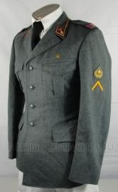 Zwitsers uitgaans uniform - inclusief insignes - lijkt op Duits WO2 - meerdere maten