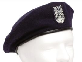 Poolse baret - donkerblauw - met embleem - maat 55 t/m 57 cm - origineel