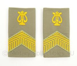 KL Landmacht Stratotex epauletten rang Korporaal met Gele Lyra, muziekkorps - per paar - afmeting 5 x 9 cm - origineel