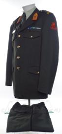 KL Militaire Academie  DT2000 uniform jasje, broek, overhemd en baret  - maat 44 origineel