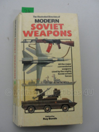Boek 'The illustrated Directory of modern Soviet weapons' - Ray Bonds