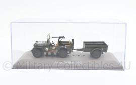Decoratieve gedetailleerde Willys MB jeep met aanhanger op schaal - 8 x 18,5 x 7,5 cm - origineel