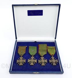 Franse complete WO1 4delige medaille set Croix de Guerre van 4 verschillende jaartallen - origineel