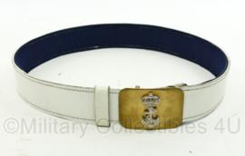 Korps Mariniers witte ceremoniële koppel met messing slot - 96 x 4,5 cm - origineel
