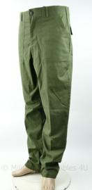 US Army Vietnam oorlog model trouser utility OG507 - grote maat 36 x 33 cm - gedateerd 1982 - origineel