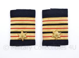 Nederlandse brandweer epauletten met klittenband sluiting  - rang Commandeur - origineel