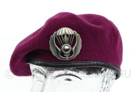 Italiaanse Leger baret - parachute regiment - met origineel insigne - maat 59 - bordeaux rood - gedragen - origineel