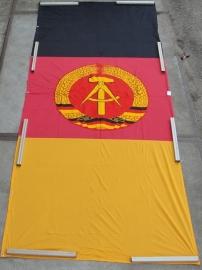DDR Vlag Banner XXL 5,5  bij 1,7  meter groot - origineel