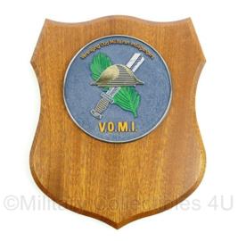 VOMI Vereniging Oud Militairen Indiëgangers wandbord - afmeting 17,5 x 22,5 x 1,5 cm - origineel