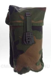 Korps Mariniers opbouwtas veldfles snelsluiting - molle - Forest camo - 22 x 12 x 7 cm - origineel