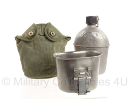 WO2 US Army veldfles set - fles 1944, beker  jaren 60 en hoes (geen datum)- origineel