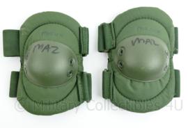 Defensie elleboogbeschermer groen - nieuw, met tekst- origineel