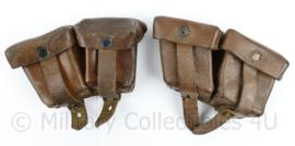 Oostenrijks WO2 Steyr paar patroon tassen  - bruin leer - gedateerd 1939 - 18 x 10 x 5 cm - origineel