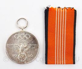 WO2 Duitse Olympischen Spielen 1936 medaille met lint - doorsnede 3,5 cm - Topreplica