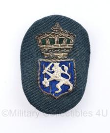 Nederlandse Ambtenaar pet insigne Je Maintiendrai - 7 x 4,5 cm - origineel