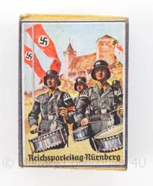 WO2 Duits luciferdoosje van echt hout - Reichspartijtag Nurnberg - afmeting 6 x 4 cm - replica