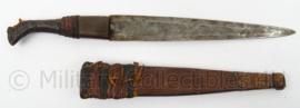 Antiek handgemaakt gevechtsmes met houten schede - afmeting 38 x 4 cm - origineel