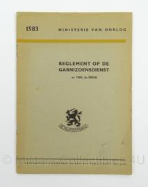 MVO Reglement op de Garnizoensdienst nr. 1583 - 1951 - afmeting 15 x 22 cm - origineel