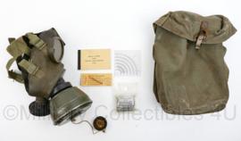 MVO complete gasmasker SET vroeg model  T1 K52 - zeldzaam - gebruikt -  23 x 14 x 11 cm - origineel