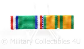 Nederlandse baton Nieuw Guinea herinneringskruis en Vierdaagse medaille -  5,5 x 1,5 cm - origineel