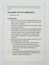 KL Landmacht Aide Memoire voor SFOR Commandanten - 1997 - afmeting 10 x 15 cm - origineel