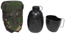 Britse leger veldfles 1,5 liter met drinkbeker - DPM camo - origineel