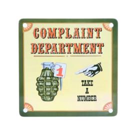 Metalen plaatje Koelkastmagneet Complaint Department - Take a Number - 11,5 x 11,5 cm