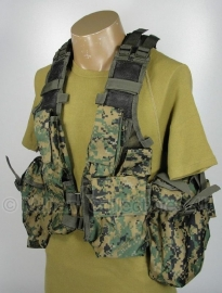 Tactical vest 12 pockets - digital woodland USMC Marpat camo