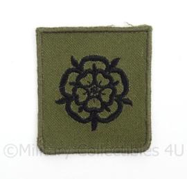 KL Landmacht borst embleem MILVA Militaire Vrouwen Afdeling - groen - afmeting 4,5 x 5 cm - origineel
