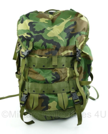 US Army CFP-90 LC Field Pack Large with internal frame woodland - zeldzaam grote variant - 43 x 60 x 35 cm - origineel