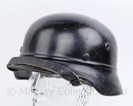 Duitse WO2 Kradmelder helm - maat pot Q 68 - maker Quist - origineel