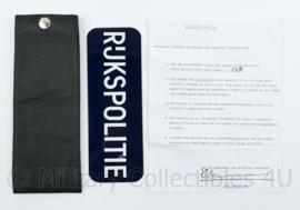 Korps Rijks politie voertuigbordje  metaal met case en handleiding - 22,5 x 8 x 1 cm - origineel