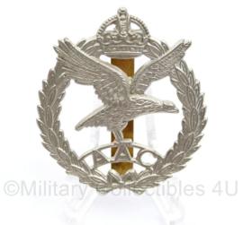 Wo2 Britse cap speld AAC Army Air Corps met maker J Gaunt London - 5 x 4 cm - origineel