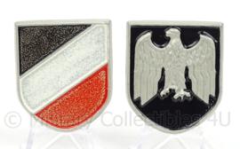 WO2 Duitse Heer decal set voor op tropenhelm - metaal zonder swastika - afmeting 4 x 4,5 cm - replica