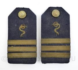 Koninklijke Marine officiers epauletten geneeskundige dienst - begin 1900 -  Luitenant - origineel