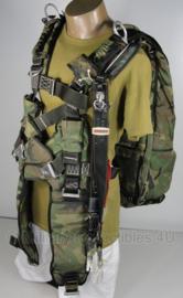Parachute harnas Parachute pack woodland MET glider   - origineel