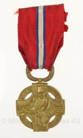 WW1 Tsjechoslowaaks Military Medal Revolution Cross Revolutie medaille - 10,5 x 4 cm - origineel