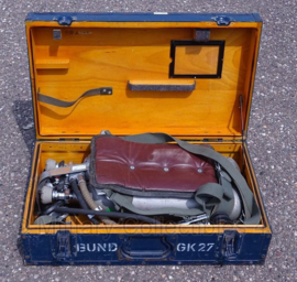 Duitse Auer Brandweer Pressluftatmer DA 58/1600 Harnas met flessen en Houten kist  - origineel