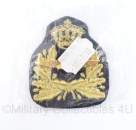 KLU Luchtmacht baret insigne - nieuw in de verpakking - 8 x 7 cm - origineel