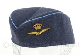 KLu Luchtmacht dames schuitje met insigne 1971 - maat 52 - origineel