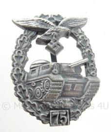 """Luftwaffe Panzerkampfabzeichen - uitvoering """"75"""""""