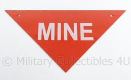 """Kunststof bordje met de tekst """"mine"""" - afmeting 14 x 27,5 cm - origineel"""