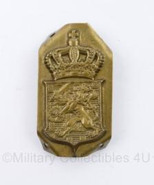 Nederlandse ambtenaar pet insigne Messing - bijzonder model of halffabricaat -  5,5 x 3 cm - origineel