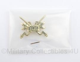 Defensie DT kraagspiegel enkel OCIO - nieuw in verpakking - 5 x 3 cm - origineel