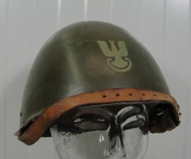 Poolse wz 67/75 legerhelm - MET embleem voorop - origineel