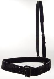 KMAR Koninklijke Marechaussee koppel met schouderriem zwart leer - nieuw in verpakking - 110 cm - origineel