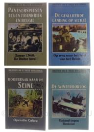 Set van 4 boekjes oorlogs geschiedenis - origineel
