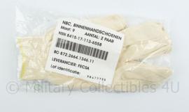 Defensie NBC binnen handschoenen creme wit  - 1 set van 2 paar - nieuw in de verpakking - maat 9 - origineel